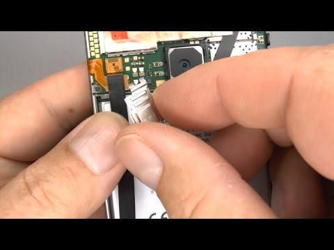 Video: How to Replace the Battery on the Nokia Lumia 920